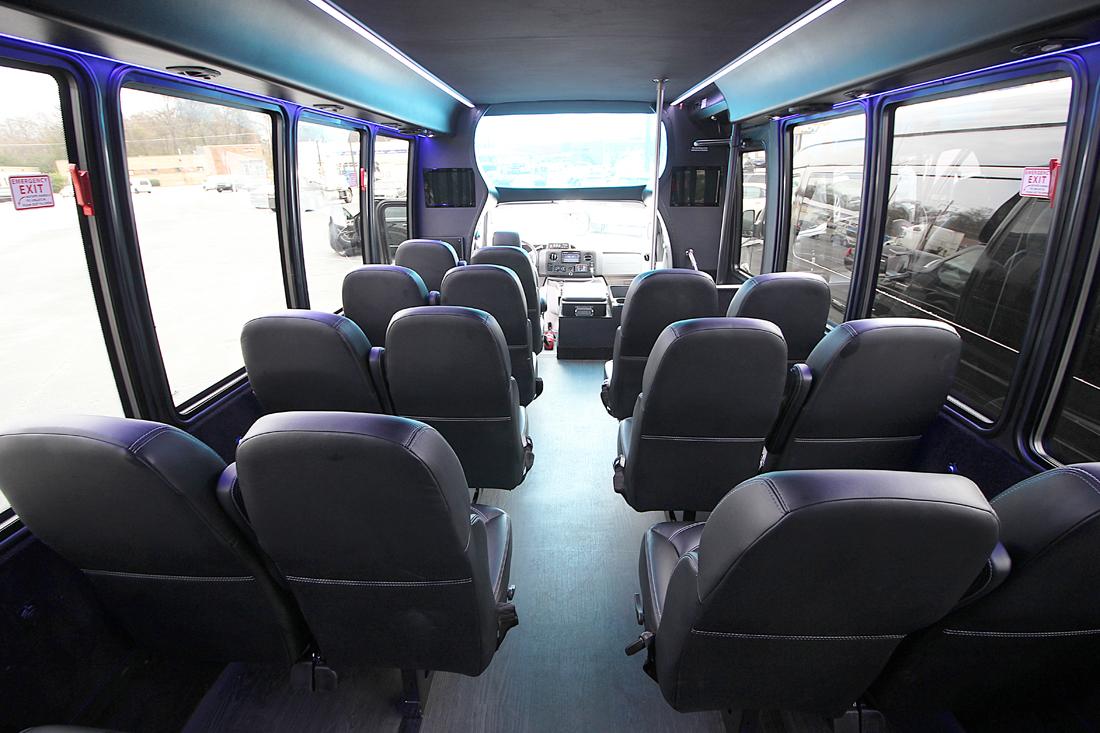 bus-interior01