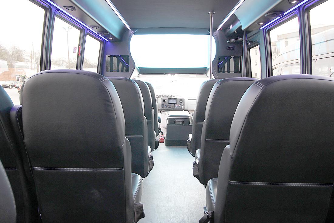 bus-interior03